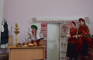 У бібліотеці ім. М. Коцюбинського водили «козу» та щедрували