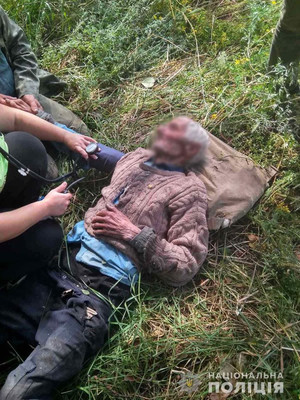 На Чернігівщині поліція, рятувальники та громада знайшли зниклого безвісти дідуся