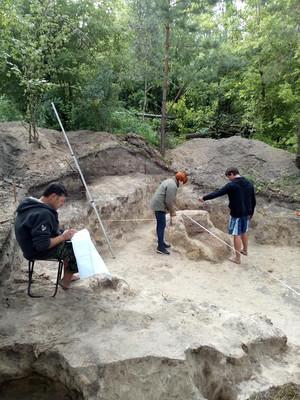 Археологічна експедиція в Мезині продовжує дослідження