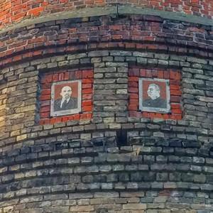 Новгород-Сіверський: 2021 рік. Європейське місто. Портрети двох тиранів