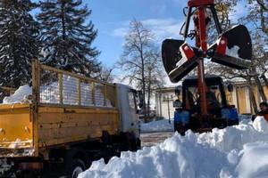 Щодоби з вулиць Чернігова вивозять 3,5 тисячі кубометрів снігу