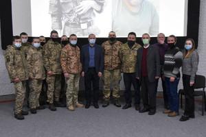 У Чернігові обговорили тему «Герої чужої війни»
