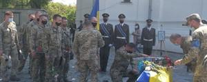 У Чернігові в останню путь провели сержанта Павла Колесника