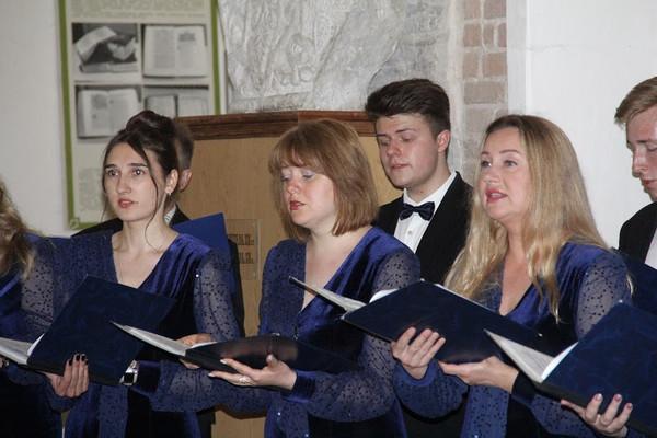 У Борисоглібському соборі хор імені Д.Бортнянського — до Дня Святої Трійці